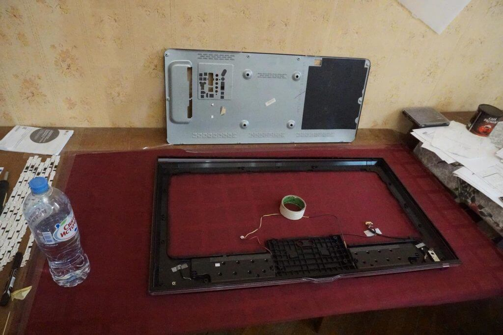 Снятие рамки SAMSUNG UE40F6650AB