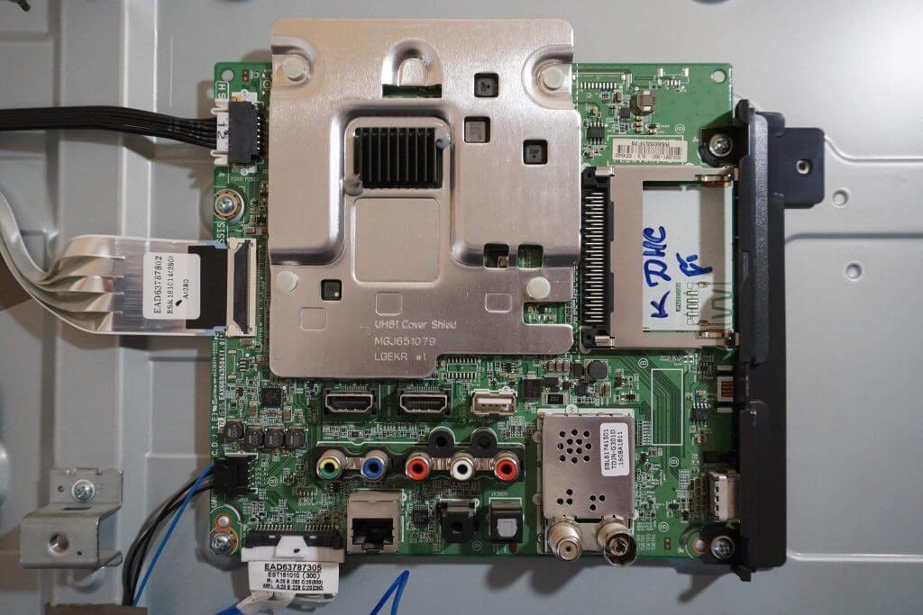 Майн плата EAX66943504.